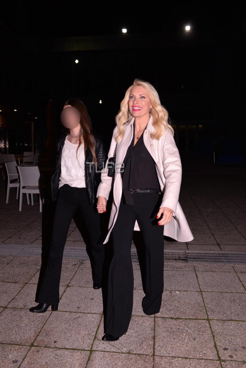 2 μέτρα πόδι: Η κόρη της Ελένης Μενεγάκη είναι πιο όμορφη απ' τη μαμά της (Pics)