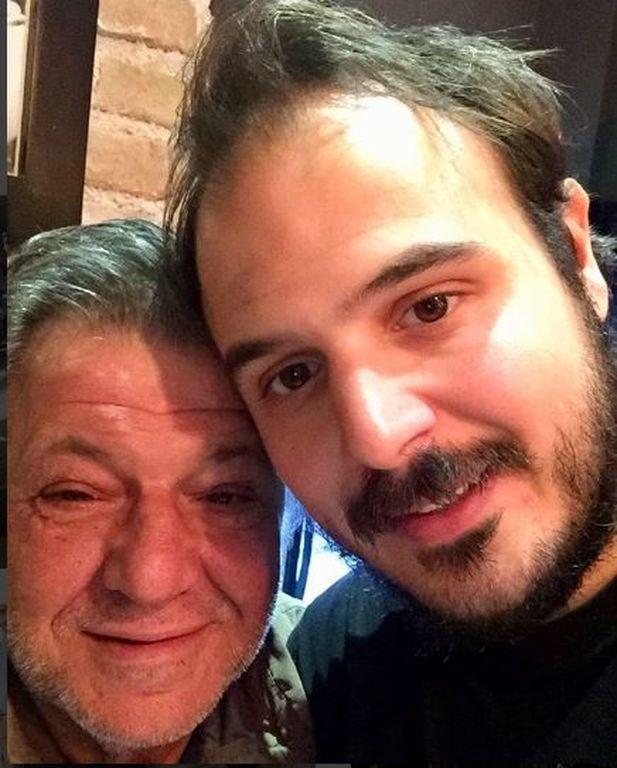 Γιώργος Παρτσαλάκης: Δείτε τους κούκλους γιους του και θα πάθετε πλάκα (vid & pics)