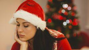 H κατάθλιψη των Χριστουγέννων: Γιατί δεν μπορώ να χαρώ όπως όλοι;