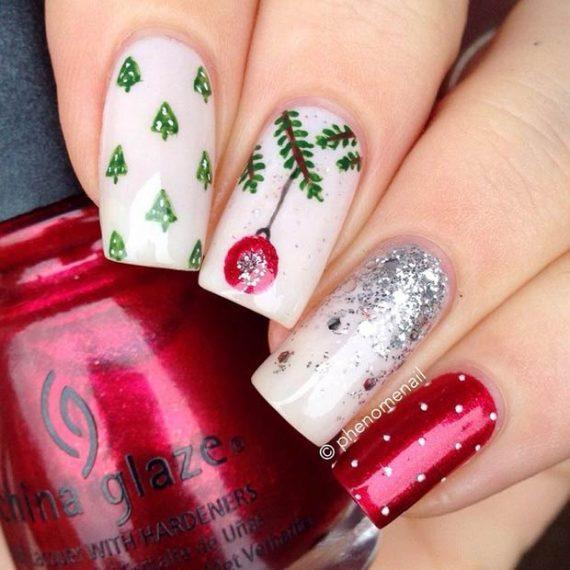 15 εντυπωσιακά σχέδια μανικιούρ με… άρωμα Χριστουγέννων!
