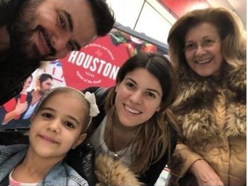 Χριστουγεννιάτικο θαύμα. «Καθαρή» απο τον καρκίνο η κόρη του Καμπακάκη…