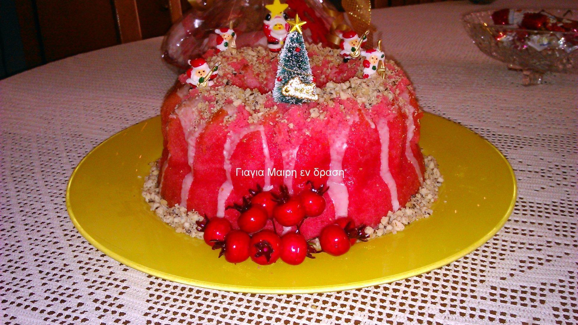 Σας περίσσεψαν μελομακαρονα; Φτιάξτε Κόκκινο κέικ με μελομακάρονα