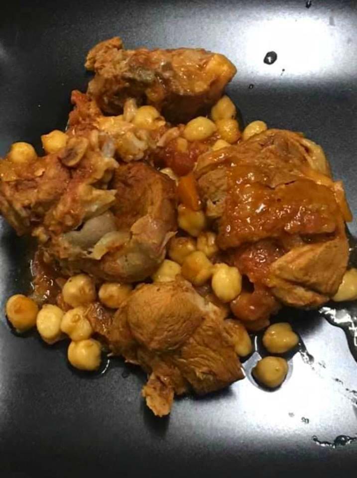 Ρεβυθάδα με χοιρινό στο φούρνο