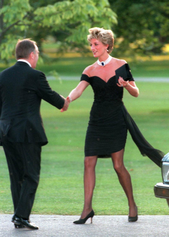 Το στιλιστικό τρικ που θα κάνει κάθε μας εμφάνιση πιο αριστοκρατική -Εμπνευσμένο από την βασιλική οικογένεια