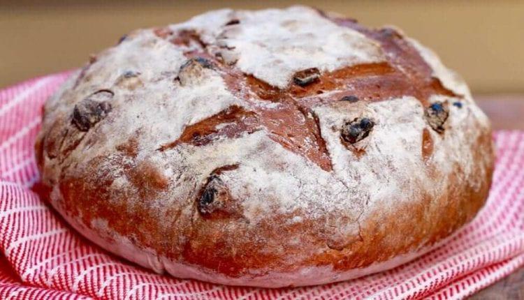 Συνταγή για γλυκό ψωμί κανέλας με σταφίδα (χωρίς ζύμωμα)