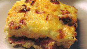 Σουφλέ με ψωμί του τοστ πατάτα μπέικον και τυρί!