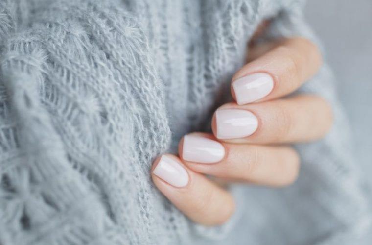 Το χρώμα στα νύχια που φοριέται σαν τρελό αυτή την εποχή -Δοκίμασε το