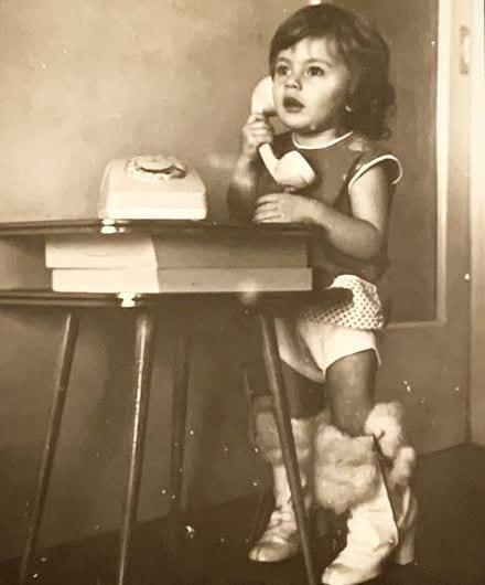 Αναγνωρίζετε το κοριτsάκι της φωτογραφίας; Είναι πασίγνωστη Ελληνίδα ηθοποιός!