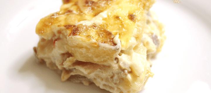 Σουφλέ Πατάτας με κρεμώδης Μπεσαμέλ και τραγανή τυρένια κρούστα