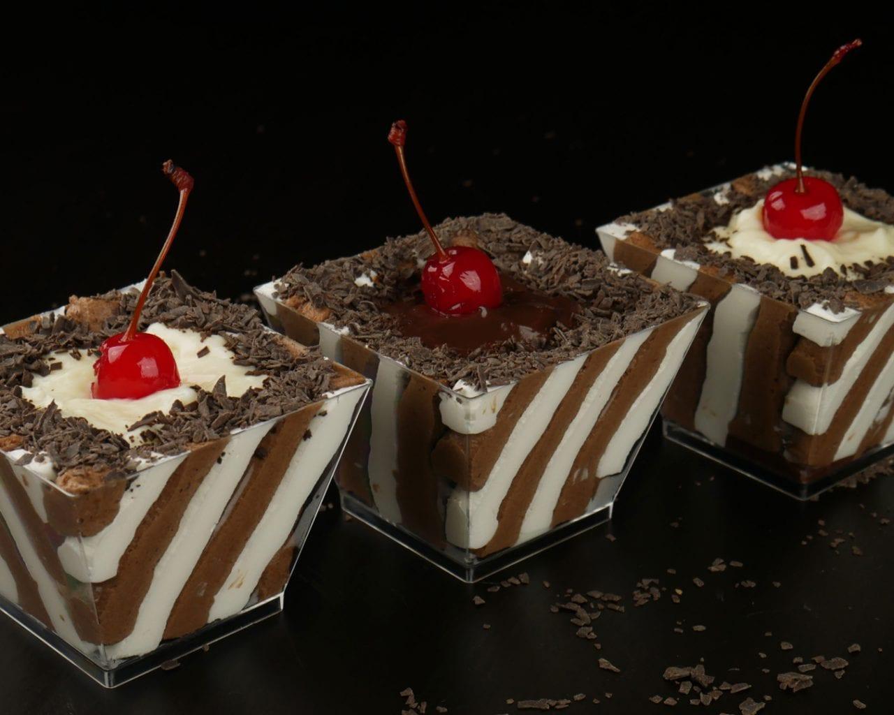 Νόστιμο γλυκό ψυγείου με σοκολάτα και βανίλια