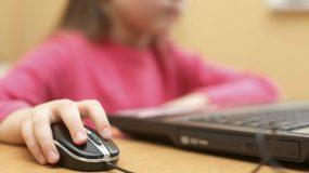 Μάθε αν το το παιδί σου έχει εθιστεί στο internet