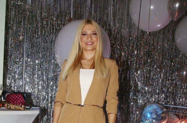 Φαίη Σκορδά: Chic εμφάνιση σε πάρτι με γόβες που θα λατρέψεις! (εικόνες)