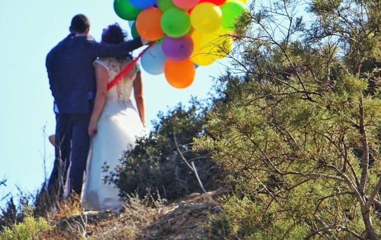 Η νύφη που εμφανίστηκε στον εκκλησία, δεν ήταν αυτή που περίμενε ο γαμπρός – Απίστευτες σκηνές