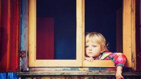 «9 συμπεριφορές του γιου μου που δεν είχα καταλάβει ότι ήταν συμπτώματα αυτισμού»: Μια μαμά γράφει