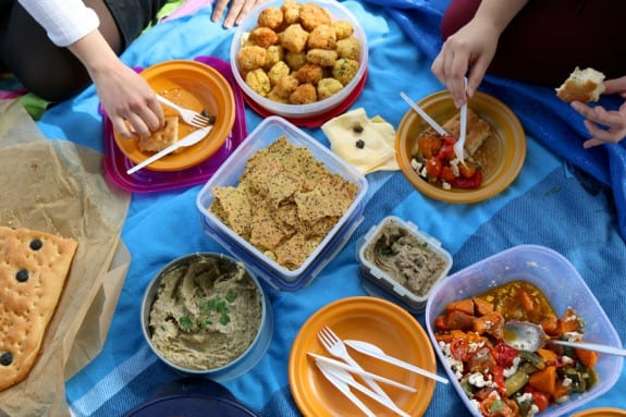 Καθαρά Δευτέρα: 5 συνταγές για να πάρεις μαζί σου στο πικ-νικ!
