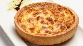 Εύκολες συνταγές: Τάρτα με πατάτα και τυριά! Πείνασες;