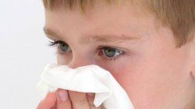 Στ. Παπαβέντσης - Καταστροφικά λάθη που κάνουν όλες οι μανούλες όταν βάζουν ορό στη μύτη του παιδιού