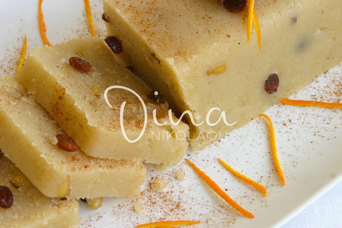 5 από τους καλύτερους σεφ στην Ελλάδα μας δίνουν τη δικιά τους συνταγή για Χαλβά σιμιγδαλένιο. Εσύ ποια θα διαλέξεις;