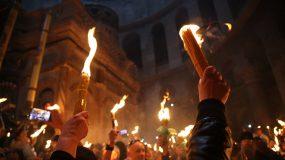 Χαμός με το Αγιο Φως - «ανάβει το Άγιο Φως με αναπτήρα»