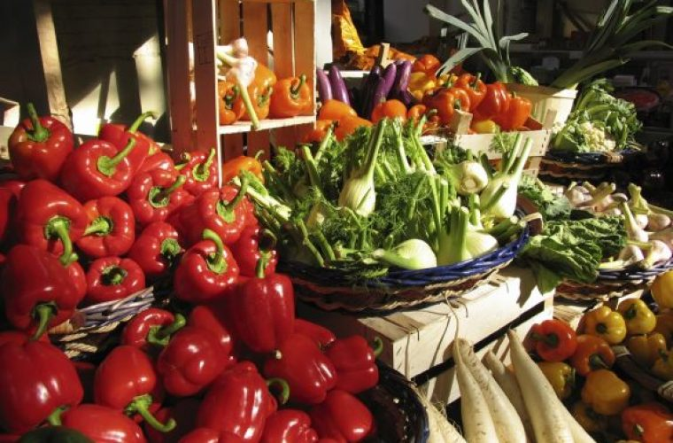 Η λίστα με τα πιο μολυσμένα φρούτα και λαχανικά για το 2019