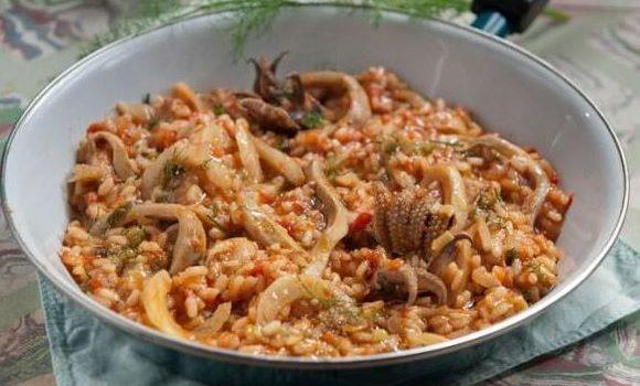 Νηστίσιμες σουπιές με ρύζι