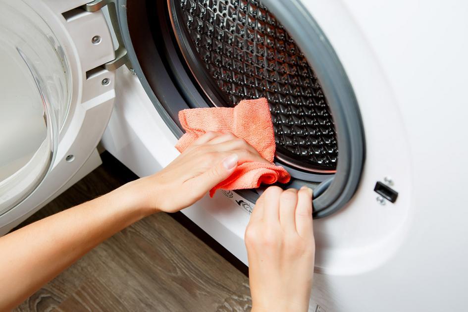Λεκέδες στα Ρούχα από το Πλυντήριο; Δείτε που οφείλονται!