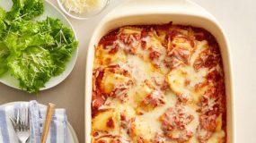 Νηστίσιμη συνταγή- Ραβιόλια στο φούρνο με σάλτσα ντομάτας