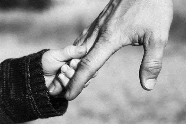Πατέρες που λείπουν ώρες για χάρη της οικογένειάς τους!