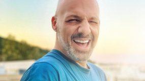 Νίκος Μουτσινάς: Ξυρίστηκε και έγινε άλλος άνθρωπος! (εικόνα
