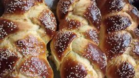 Υπέροχα πασχαλινά τσουρέκια της Βέφας Αλεξιάδου!