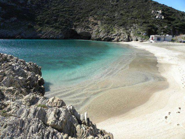 20 Υπέροχες παραλίες της Εύβοιας που θα σας μαγέψουν, μόλις μία ώρα από την Αθήνα!