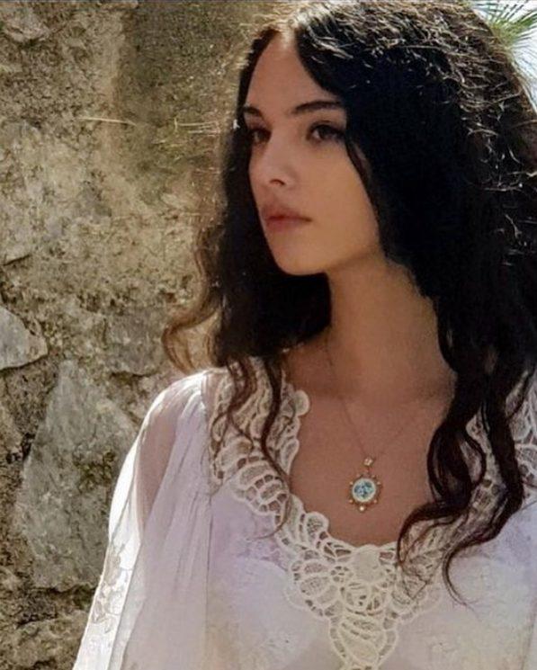 Δείτε την πανέμορφη κόρη της Μόνικας Μπελούτσι - Ίδια η μητέρα της!