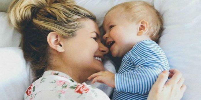 """""""Θα καταφέρεις πολλά πράγματα στη ζωή σου γιε μου…."""" Όλα όσα θέλει να πει μία μάνα στο παιδί της μέσα από ένα συγκλονιστικό κείμενο!"""
