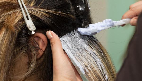Πολύτιμες συμβουλές για όσες θέλουν να βάψουν τα μαλλιά τους! Τι να προσέξετε!