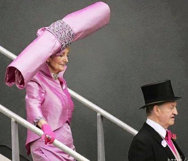 Εκκεντρικό καπέλο
