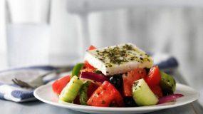 Χωριάτικη σαλάτα 13 τρόποι να την αξιοποιήσετε