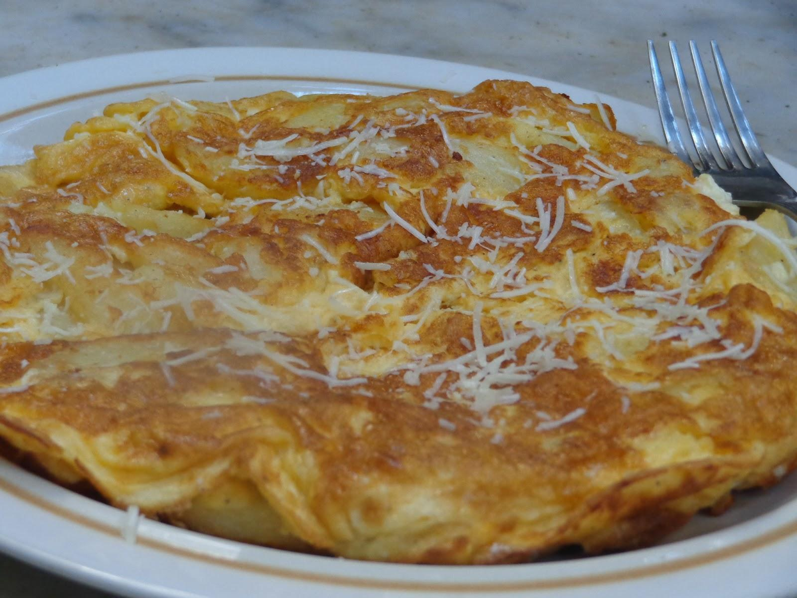 Oμελέτα με τυρί ,πατάτες και κρέμα γάλακτος!