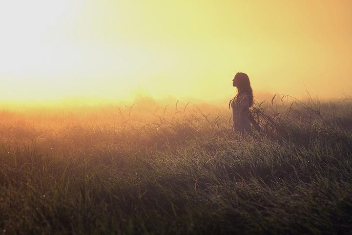 Αποδέξου και αγκάλιασε τη θλίψη, μόνο έτσι θα προχωρήσεις ξεπερνώντας την
