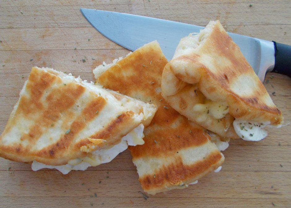Τυροπιτάκια Με Πίτα Σουβλάκι