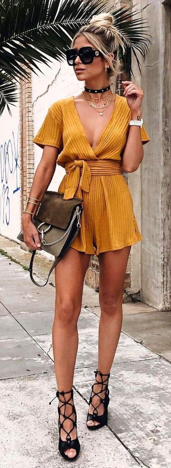 Καλοκαίρι: Τα 7+1 Must Φορέματα για εντυπωσιακές εμφανίσεις
