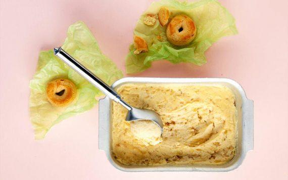 Φανταστικο παγωτό σαν μηλόπιτα