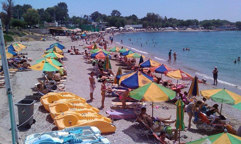 Ακατάλληλες για κολύμβηση 47 παραλίες της Αττικής -Η «μαύρη λίστα» του ΠΑΚΟΕ