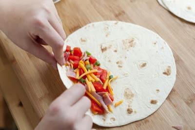 Αραβικές πίτες στο φούρνο με λαχανικά και για τους μικρούς μας φίλους
