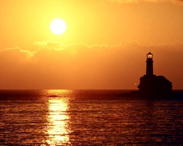 Φάρος Τουρλίτης: Ο ωραιότερος φάρος στον κόσμο βρίσκεται στην Άνδρο