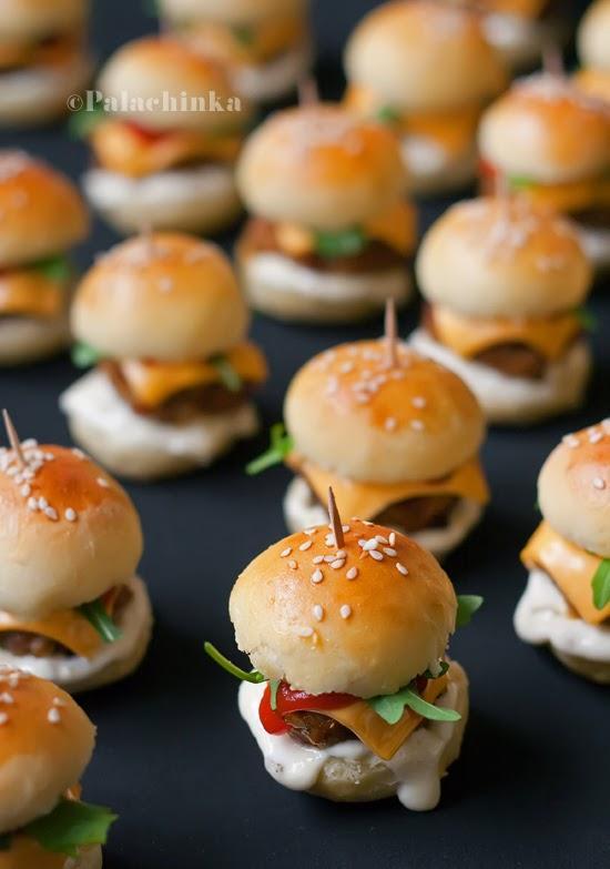 Πως να κάνουμε τα Μίνι Hamburger ψωμάκια για το πάρτι του παιδιού μας!