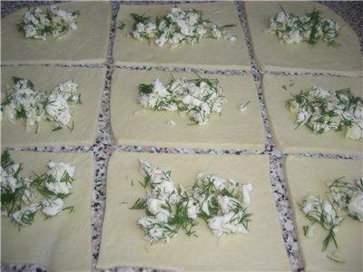 Τριανταφυλλένιο ψωμί γεμιστό με φέτα!
