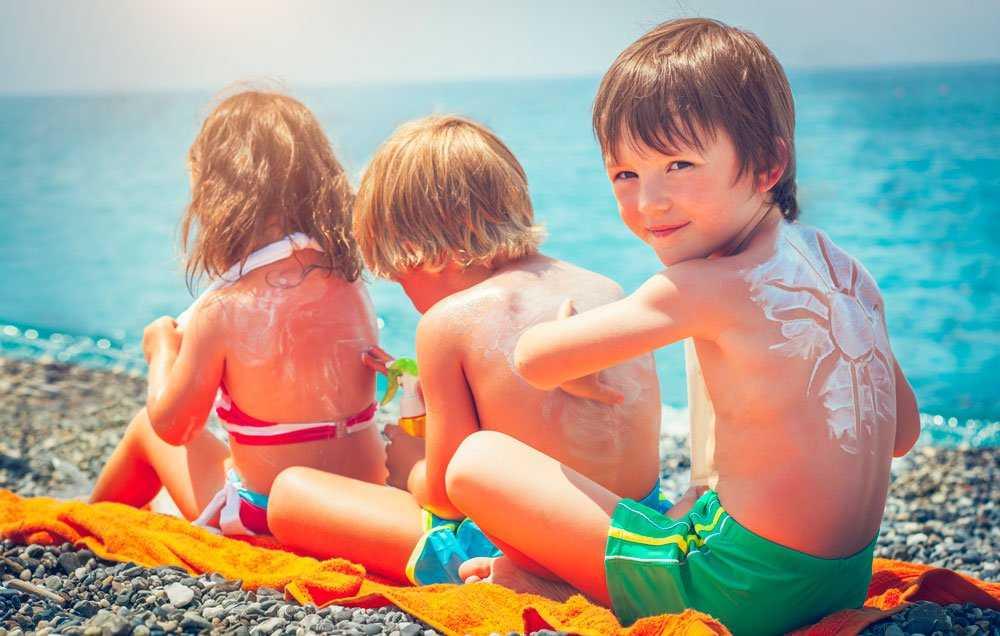 Τα δέκα πιο συνηθισμένα λάθη που κάνουμε με το αντηλιακό του παιδιού μας και πως να τα προστατέψουμε!