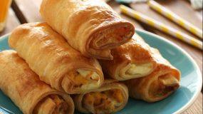 Ρολάκια με απο ζύμη κουρου γεμιστά με  αυγά, μπέικον και τυρί κρέμα