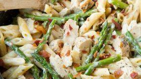 Περίσσεψε κοτόπουλο; 8 πεντανόστιμες συνταγές που μπορείς να κάνεις