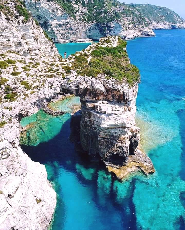 Παξοί: Το νησί που έφτιαξε ο Ποσειδώνας για να ζήσει τον έρωτά του